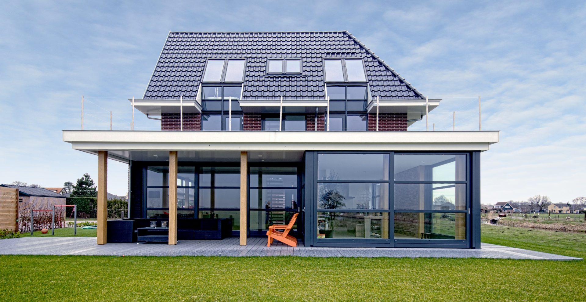 Duurzame Villa te Limmen Zijlstra Schipper Architecten Noord-Holland achtergevel frontaal