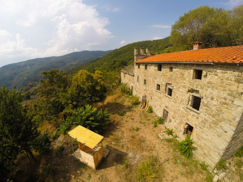 Ontwerp voor oude kerk die te koop stond in Italie - Novanta - la Canonica 01