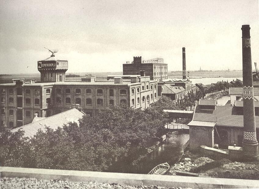 Architect-industrieel-monument-Adelaar-Zaandam-architectenbureau-Noord-Holland-Zijlstra-Schipper-Architecten-luchtfoto-noordkant-oud-historisch-Wormerveer-01