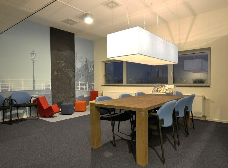 Interieur-architect-Noord-Holland-nieuw-interieur-ontwerp-GGZ-centrum-Autisme-Kristal-Zijlstra-Schipper-Architecten-wachtkamer-HDR